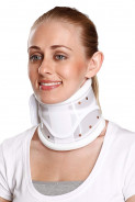 TYNOR CERVICAL COLLAR HARD ADJ  B- 03